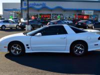 Exterior Color: white, Body: Hatchback, Engine: V8
