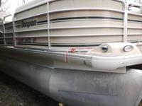 SUPER CLEAN '02 SANPAN 22 FT PONTOON BOAT...MUST