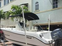 2002 Seaswirl 2001CC Striper Center Console has no soft
