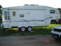 2002 Sprinter 5th wheel 28', 1 slide, very nice, good