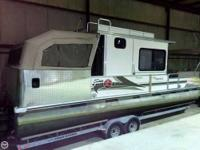 - Stock #75245 - Fully Loaded 2002 Sun Tracker Party