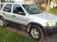 2002 SUV Ford Escape xlt $4000 vin 1FMYU04112KA52833