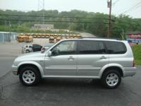2002 SUZUKI XL7 4X4 WITH 3RD ROW AND MOONROOF! ONE
