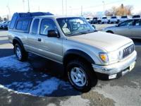 4 Wheel Drive!!!4X4!!!4WD*** This Gold 2002 Toyota