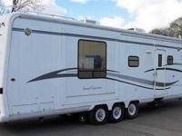 Beautiful 40 foot Travel Supreme luxury fifth wheel