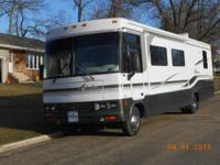 2002 Winnebago Adventurer Series M-35U-Ford- - 2002