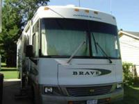 2002 Winnebago Brave WFF34D Class A 34.5 feet long, V10