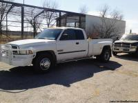 Laramie slt ext cab 4dr, 278k, white in color,has