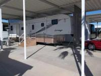 2002 Carriage Conestoga 5th Wheel This excellent 5th