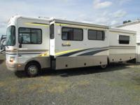 2002 Fleetwood Bounder 34D with superslide ... Chevy
