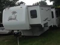 Stock Number: 721993. 5th Wheel RV, 3 slides, 33',