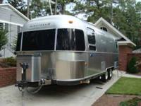 Selling our 2003 Airstream Classic 25? with queen bed.