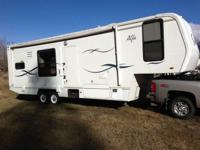 This 2003 Alpha Sun 5th Wheel is an excellent buy! This