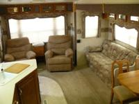 2003 Arctic Fox 5th Wheel trailer built by Northwood.