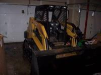 2003 ASV RC50 -66 inch dirt bucket included (snow