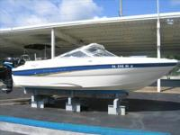 2003 Bayliner 209 INCLUDES: AM/FM CASSETTE, BOW LADDER,