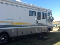 Well Kept Motorhome, Smoke & Pet Free. INTERIOR