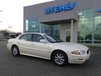 LUXURIOUS LEATHER SEATS, KEYLESS ENTRY, 29 MPG Highway,