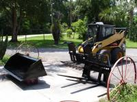 "2003 CATERPILLAR 242 SKID STEER WITH 72"" GRAPPLE, 72"""