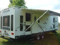 Well maintained travel trailer. Exterior features