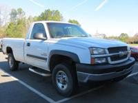 Duramax 6.6L V8 Turbodiesel, 4WD, ABS brakes, and Front