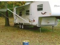 For Sale: 2003 Cougar 278 5th Wheel. This trailer is