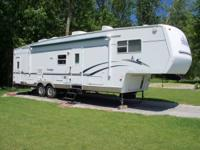"2003 Dutchman Classic 39'6""5th wheel with toy box & 2"