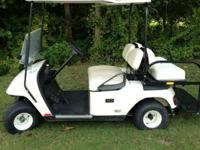 Four-seater golf cart in excellent condition. Recently