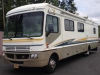 2003 Fleetwood Bounder 35E * Workhorse Chassis 8.1L V8