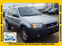 New Price! CARFAX(R)- ACCIDENT FREE !, AWD, Alloy