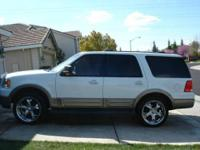Must Sell - $8800 obo! This is a 2003 Ford Expedition