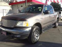 Come see this 2003 Ford F-150 Lariat. Its Automatic