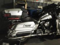 2003 Harley-Davidson Ultra-Classic Motorcycle 100th
