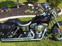2003 Harley Davidson Dyna Cruiser This is a beautiful