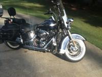 2003 Harley-Davidson Heritage Softail CLASSIC Cruiser.