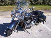 03' Road King Classic with extra's. This bike is an