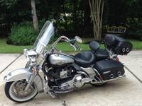 2003 Road King Classic (FLHRCI). gear driven cam