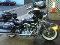 Up for sale is a nice 2003 Electra glide Classic stage