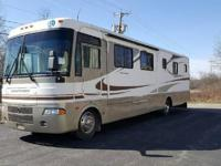 2003 Holiday Rambler Vacationer 36DBD, Motor Home is
