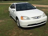 2003 Honda Civic 2 door with sunroof, clean car