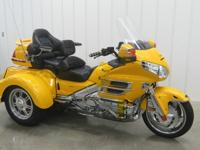 Very nice and beautiful looking used 2003 Honda gl1800