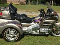 VERY NICE HONDA GOLDWING FI 1800cc TRIKE, / REVERSE
