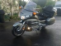 2003 Honda Goldwing GL 1800 non-abs in like new