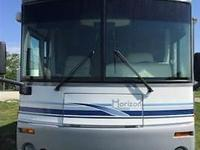This 2003 Itasca Horizon M-34HD is In Excellent