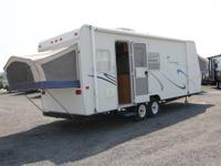 2003 KIWI 26-Single Slide, Rear Bath w/Wardrobe, Lav.,