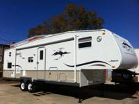 M-365RG - 28 Foot - 5Th Wheel  Queen Bedroom - Full