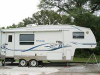 2003 KEYSTONE COUGAR 5TH WHEEL  Model: 245 EFS Carrying