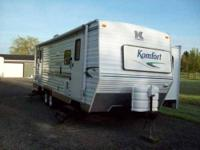 2003 Komfort 28TSR Travel Trailer This is a very well