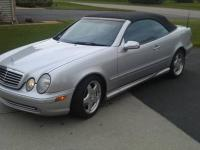 2003 Mercedes Benz SL500, V-8 engine, automatic