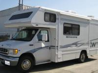 2003 Winnebago Minnie M-24F Ford V10 87,000 miles Nice